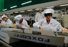 Foxconn ha contratado más empleados para acelerar los ritmos de producción.