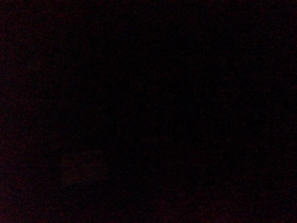 Como se ve en la imagen, en condiciones de poca iluminación la cámara no logra captar nada.