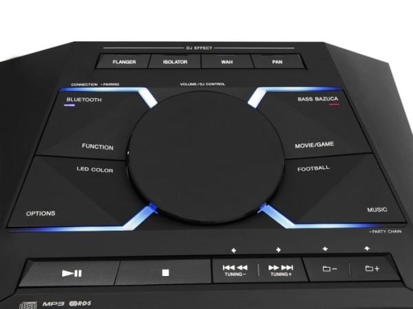 Comandos en la parte superior, vemos el potenciómetro que nos permite manejar los efectos DJ, además del volumen