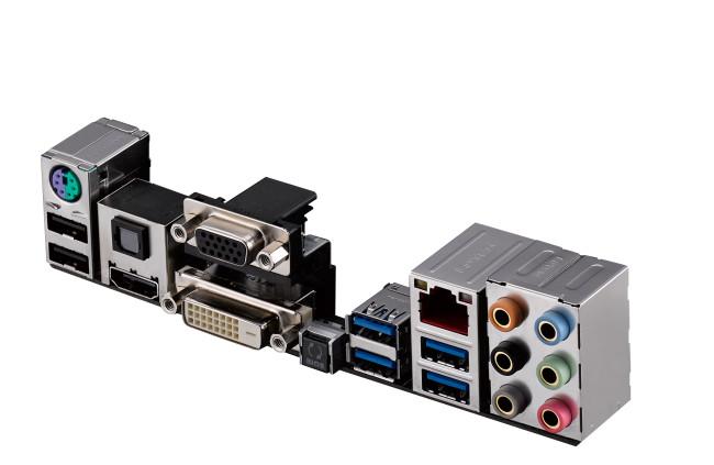 El Asus Crossblade Ranger representa uno de los puntos más altos en el mundo de mothers para procesadores AMD Fusion A. Trae sonido ALC1150 y ofrece al usuario la posibilidad de realizar Crossfire con hasta tres placas de video.