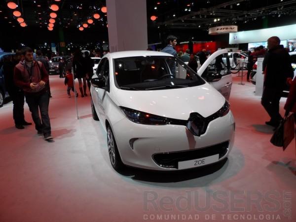 El Renault Zoe logra una rapidez máxima de 135 km/h y posee una autonomía de 210km.