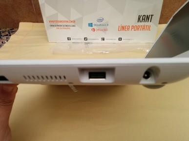 PCBOX Kant: Conector USB 2.0 y conector del cargador.