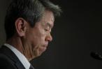 Hisao Tanaka dejará su cargo junto a otros siete ejecutivos de la compañía.