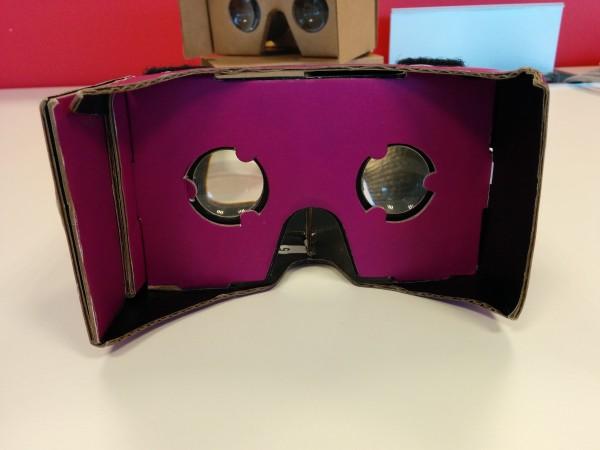 Fravega Cardboard MOVR: Vista de lentes.