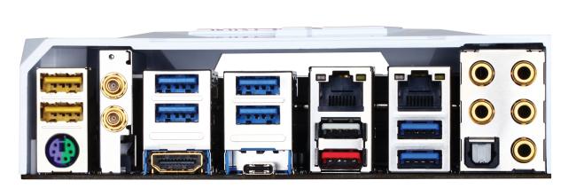 La estrella del panel trasero es el pequeño conector USB-C que provee conectividad USB 3.1.