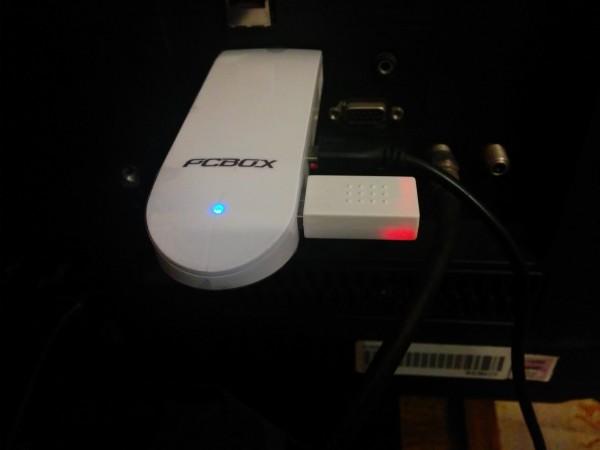 PCBOX Heit conectado a un TV.