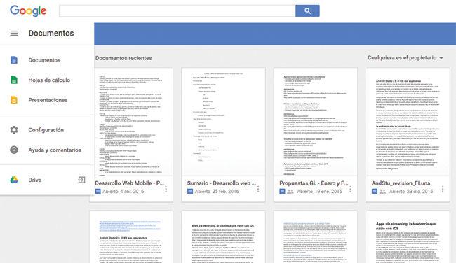 Originalmente Google concibió el servicio de almacenamiento en la nube, bajo el nombre de Google Docs, que permitía crear documentos con su suite ofimática y almacenarlos en línea.