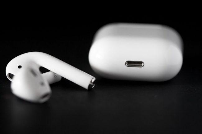 Apple atrasa la salida de los AirPods