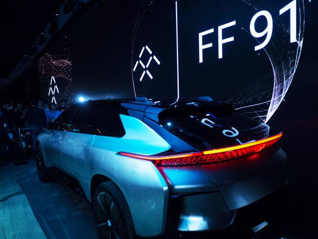 Aspecto futurista para un vehículo que conjuga ecología y alta performace.