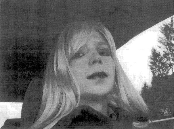 Manning inició su cambio de género en la cárcel militar de Fort Leavenworth, Kansas.