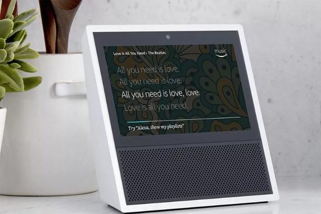 Amazon integra una pantalla táctil en su nuevo altavoz inteligente