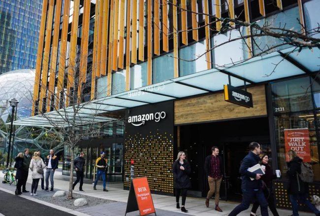 Amazon abre supermercado inteligente sin cajas de pago